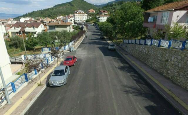 Karamürsel'de Asfalt Çalışmaları Sürüyor