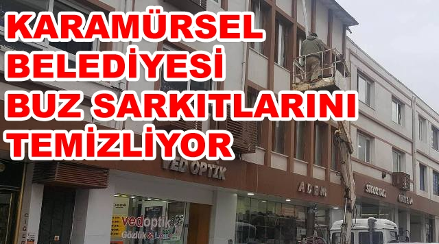 Karamürsel Belediyesi Sarkan Buzları Temizledi