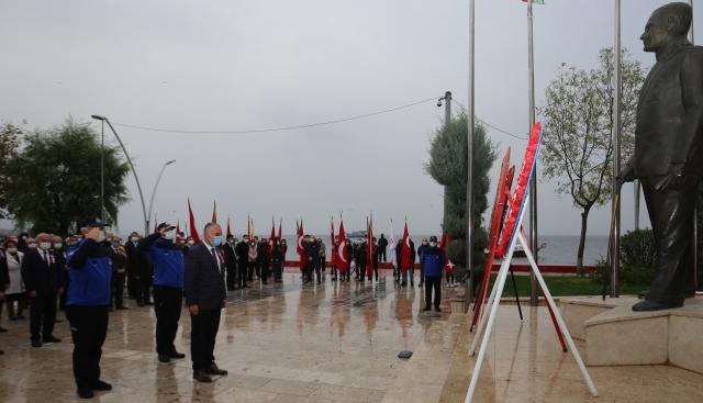 Atatürk Karamürsel'de Anıldı