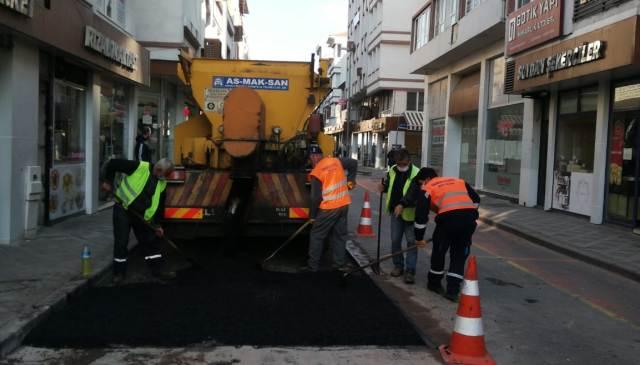 Karamürsel'de Yol Onarım Çalışmaları Devam Ediyor