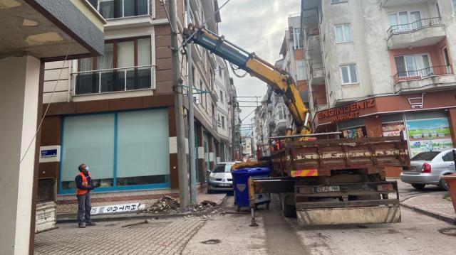 Karamürsel'de Elektrikler Yer Altına Alınıyor