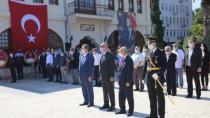 Karamürsel'de Zafer Bayramı Resmi Törenle Kutlandı