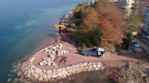 Karamürsel - Ereğli Sahili Şeridi Düzenleme Çalışmaları Sürüyor