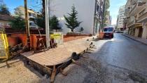 Karamürsel'de Kaldırım Çalışmaları Sürüyor